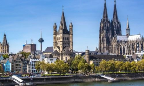rhine-river-waterfront-cologne-cathedral-cologne-germany_main